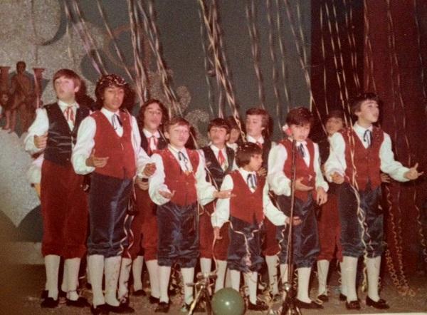 Los Lazarillos - Actuación en el Falla