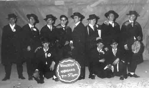 1965.- Los amigos de la capa
