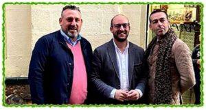 José María García Flores junto al Alcalde y el Concejal de Fiestas