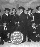 1965.-Los-amigos-de-la-capa